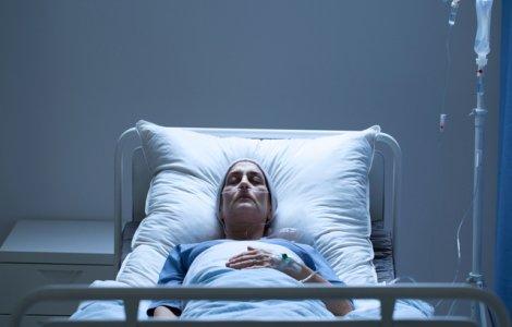 O mamă s-a trezit din comă după 27 de ani. Primul lucru pe care l-a...