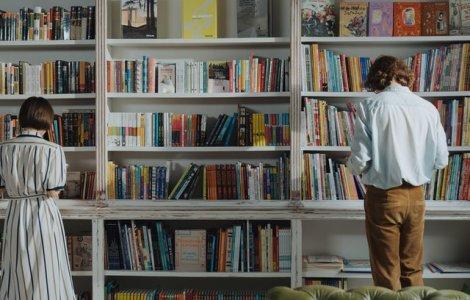 VIDEO Cum funcționează biblioteca umană: în loc de cărți, împrumuți...