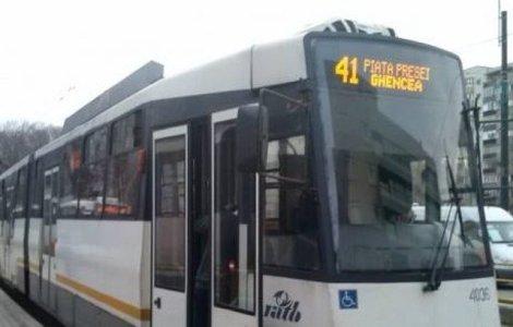 Accident MORTAL în Capitală: Un bărbat a fost lovit de un tramvai