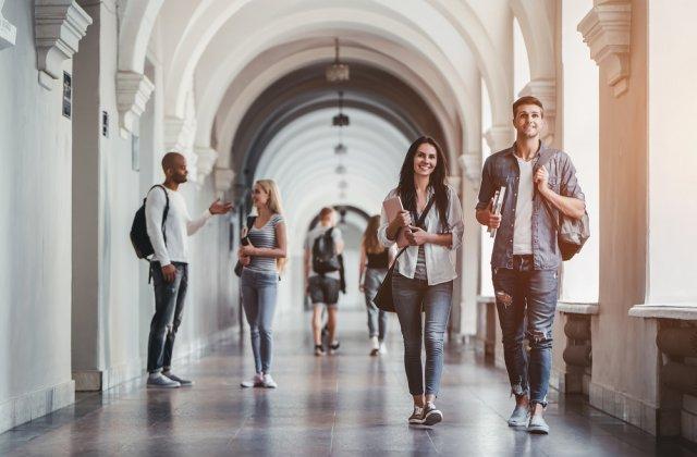 Universitățile își reiau activitatea de la 1 octombrie. Fiecare universitate și-a ales scenariul după care vor învăța