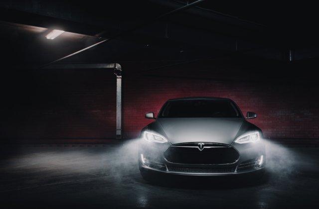 Tesla vrea să lanseze un nou model care va costa doar 25.000 dolari