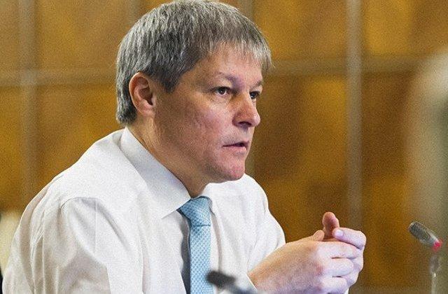 """Cioloș: """"Din păcate, PNL a luat primari pesediști cu traista. I-a luat la grămadă"""""""