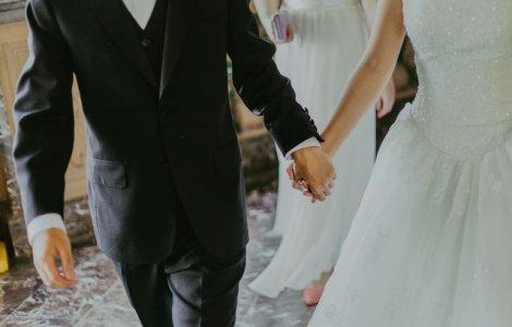 Și-au sărbătorit nunta de 71 de ori în 65 de țări
