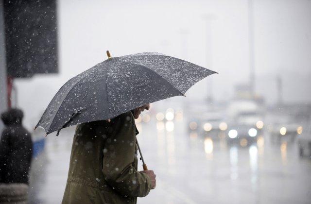 Cod GALBEN de ploi și vânt în aproape toată țara. Prognoza specială pentru București