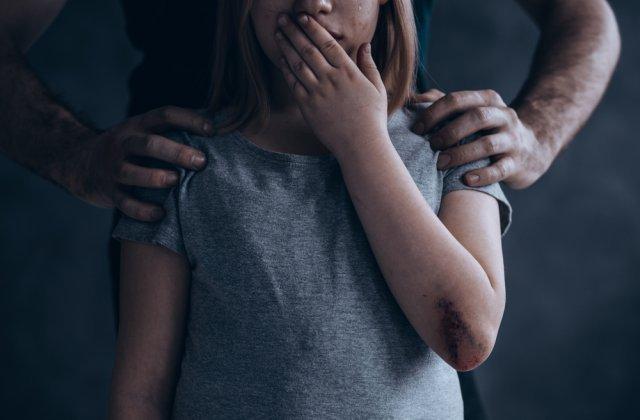 Inițiativă USR: Înăsprirea pedepselor în cazul traficului de persoane şi al exploatării sexuale a minorilor