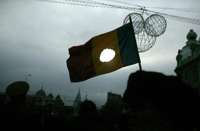 "Le Monde: Comunismul inca ""otraveste"" venele societatii romanesti"