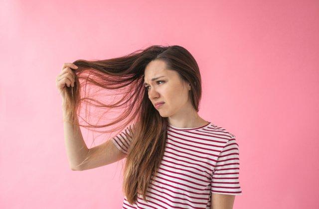 Oprește excesul de sebum al părului: 5 alimente dăunătoare și 3 alimente care ajută la prevenție
