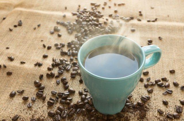 NU face abuz de cafea: 6 semne pe care ți le dă organismul dacă o consumi în exces