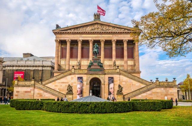 70 de opere de artă și artefacte antice au fost vandalizate în trei muzee din Berlin