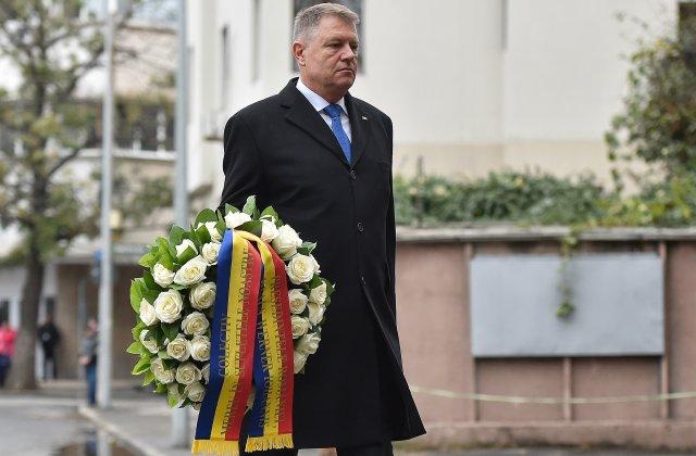 Preşedintele Klaus Iohannis a depus o coroană de flori în memoria victimelor de la Colectiv
