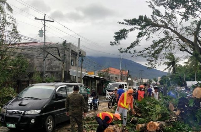 Taifunul Molave, care s-a abătut asupra Vietnamului, a ucis 33 de persoane. Alte 49 sunt date dispărute