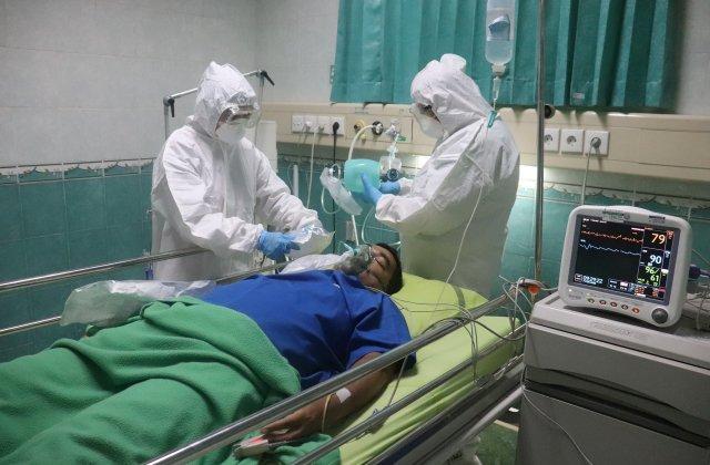 """O asistentă continuă să lucreze la ATI, deși are cancer în stadiul IV: """"Dacă pot fi utilă sunt cea mai fericită"""""""