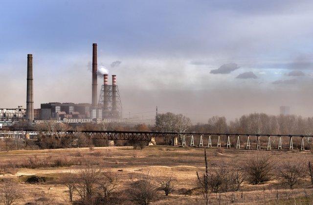Camera Deputaților: Mai multe categorii de persoane care au trăit în zone poluate se pot pensiona mai devreme