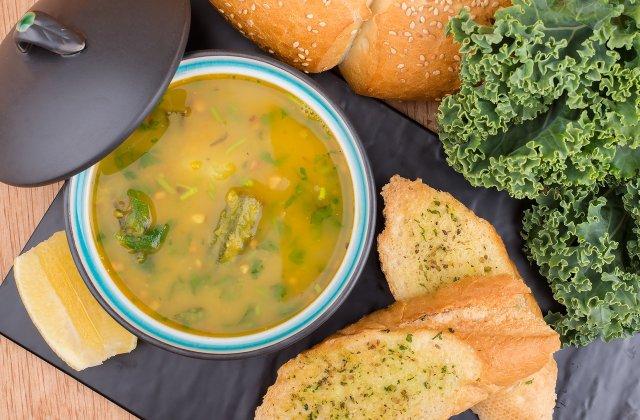 4 idei grozave și la îndemână pentru a înlocui bulionul pentru supa de pui