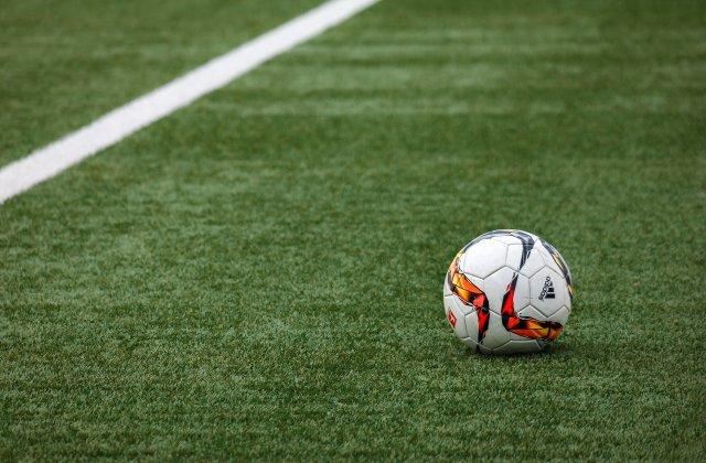 Salariile fotbaliștilor suferă modificări semnificative! Ce sume vor încasa aceștia lunar