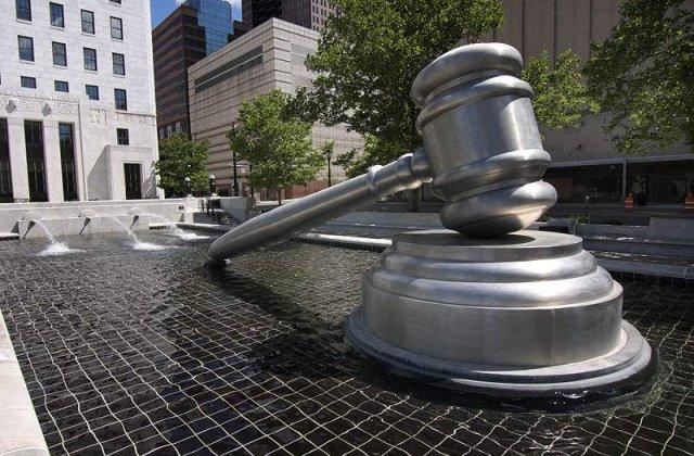 CCR reintroduce insulta si calomnia in Codul Penal