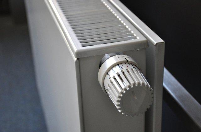 Mai multe imobile din Capitală au rămas fără încălzire și apă caldă din cauza unor avarii în rețea