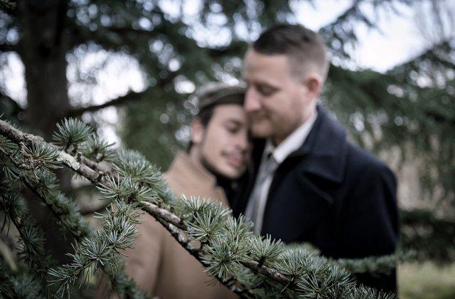 Doi băieți și-au organizat propria nuntă falsă pentru a scăpa de restricții! Ce reacție au avut părinții și autoritățile