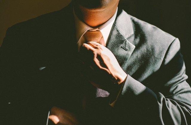 5 moduri în care hainele tale îți influențează imaginea și succesul