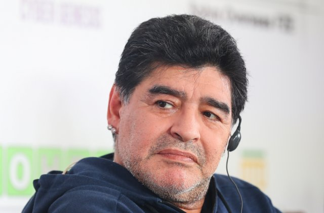 BREAKING Diego Maradona a murit în urma unui stop cardiac