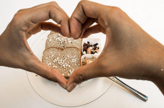 Sănătatea inimii, strâns legată de alimentație: Ce să consumi pentru a te feri de afecțiunile cardiace