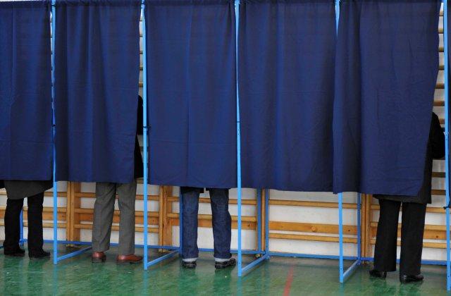 BEC: Camerele de fotografiat, interzise în cabinele de vot