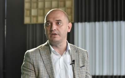 Radu Mihaiu: În Piaţa Obor...