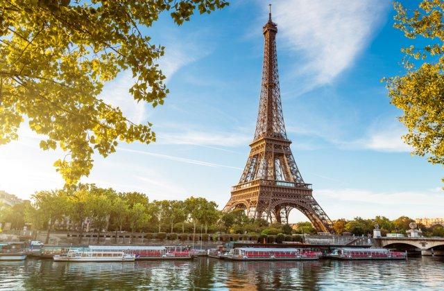 O secțiune din scara originală a Turnului Eiffel a fost vândută la licitație cu 274.000 euro