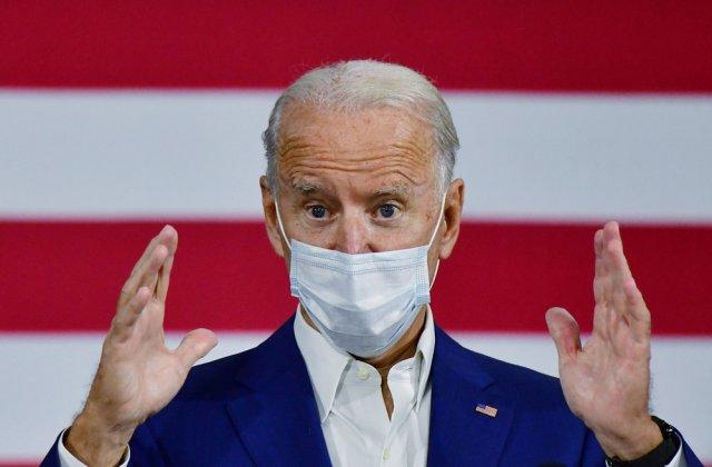 Joe Biden le cere americanilor să poarte mască de protecție timp de 100 de zile