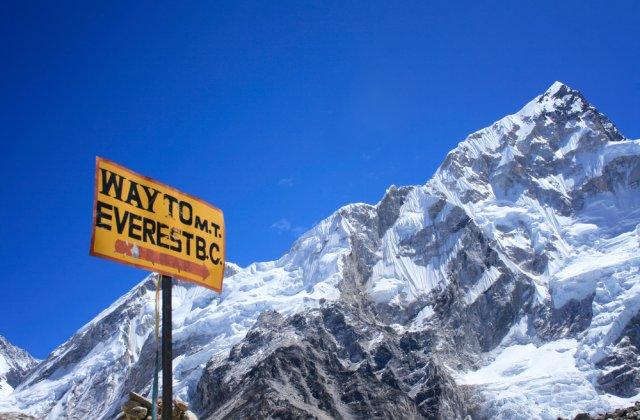 Noua înălţime a Muntelui Everest, stabilită de Nepal şi China. Care este altitudinea celui mai înalt punct de pe glob