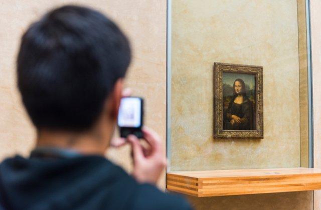 Cât l-a costat pe un pasionat de artă să o admire de unul singur pe Mona Lisa
