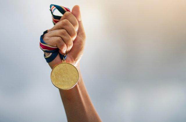 Gimnasta Ana Bărbosu a câștigat patru medalii de aur în finalele pe aparate la Europenele de junioare