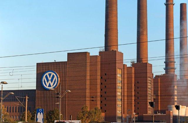 """Grupul Volkswagen reduce producția din cauza lipsei de semiconductori: """"Industria auto și-a revenit mai repede decât anticipau furnizorii"""""""