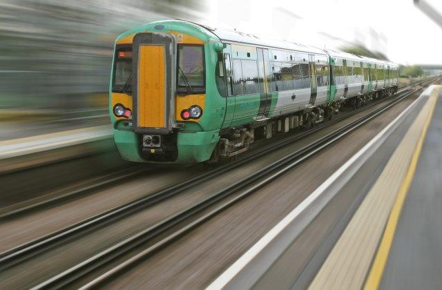 CFR Călători suplimentează trenurile pe cele mai solicitate rute în perioada sărbătorilor de iarnă