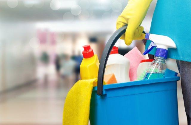 Păstrează-ți casa curată! 5 trucuri pentru spălarea suprafețelor sensibile