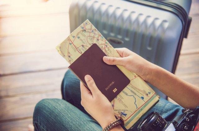 Românii nu vor mai putea călători doar cu buletinul! Când va fi necesar pașaportul pentru a vizita Marea Britanie