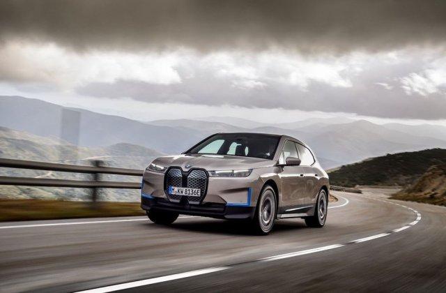 """Șeful BMW anunță creșterea producției de vehicule electrificate: """"Una din cinci mașini vândute în 2023 va fi electrică sau hibridă"""""""