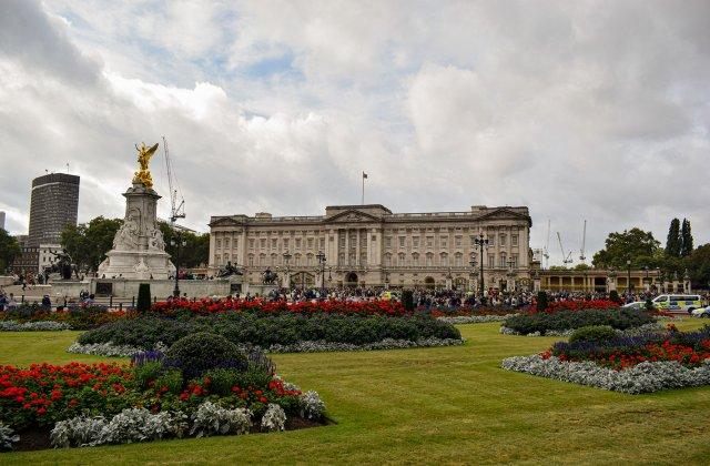 Furt de obiecte prețioase la Palatul Buckingham. Cine și ce mai exact a furat