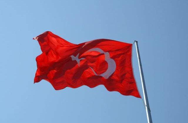 Mii de persoane au invadat piata Taksim, la apelul sindicatelor