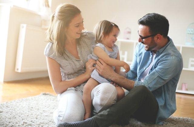 Ce poți face pentru a-i asigura un viitor stabil copilului tău, chiar și în situații neprevăzute