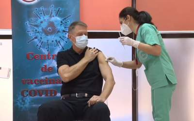 VIDEO Iohannis s-a vaccinat...