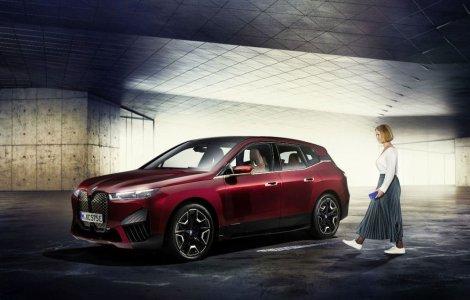 BMW prezintă tehnologia Digital Key Plus