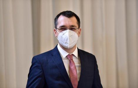 Ministrul Voiculescu a anunțat că și-a programat părinții pentru...