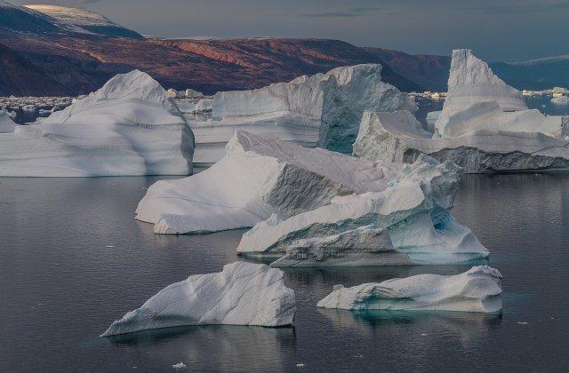 STUDIU Gheaţa de pe Terra se topeşte mai rapid în prezent decât la mijlocul anilor 1990