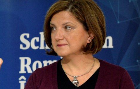 """Raluca Prună: """"Autoritățile stau și tolerează rețele de vaccinări..."""