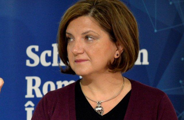 """Raluca Prună: """"Autoritățile stau și tolerează rețele de vaccinări paralele. Scapă cine poate, succes"""""""