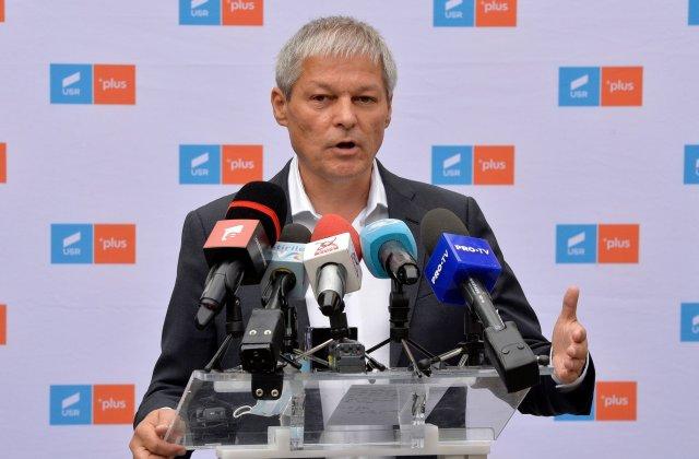"""Cioloș: """"Priorităţile parlamentare - eliminarea pensiilor speciale, repararea Legilor Justiţiei, comisie de Cod electoral"""""""