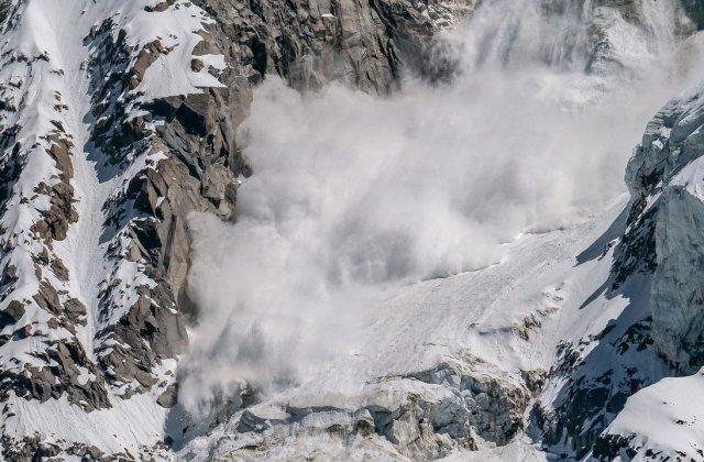 Risc mare de avalanșe la Bâlea Lac și unele zone din Munţii Făgăraş