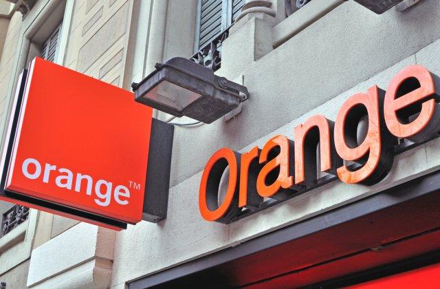 Orange instalează un cablu submarin transatlantic care va lega Franţa de SUA şi Marea Britanie
