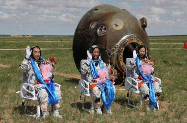 Capsula spatiala chineza Shenzhou X a revenit cu bine pe Terra